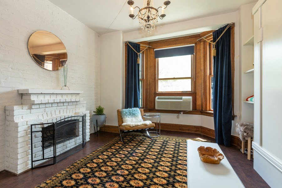 Real Estate Photography - 2800 N. PINE GROVE Avenue, Unit 3C, Chicago, IL, 60657 - Living Room