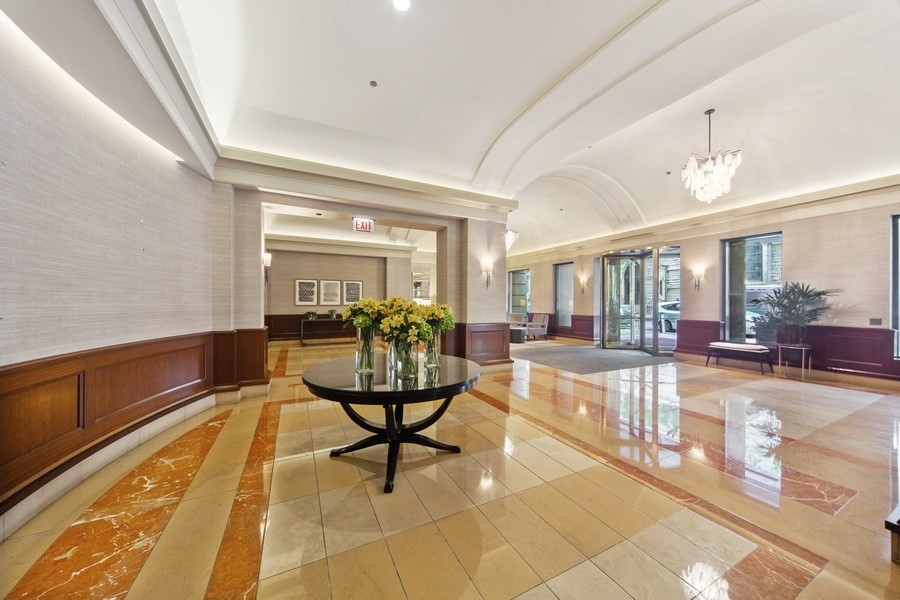 Real Estate Photography - 25 East Superior St, 4301, Chicago, IL, 60611 - Lobby