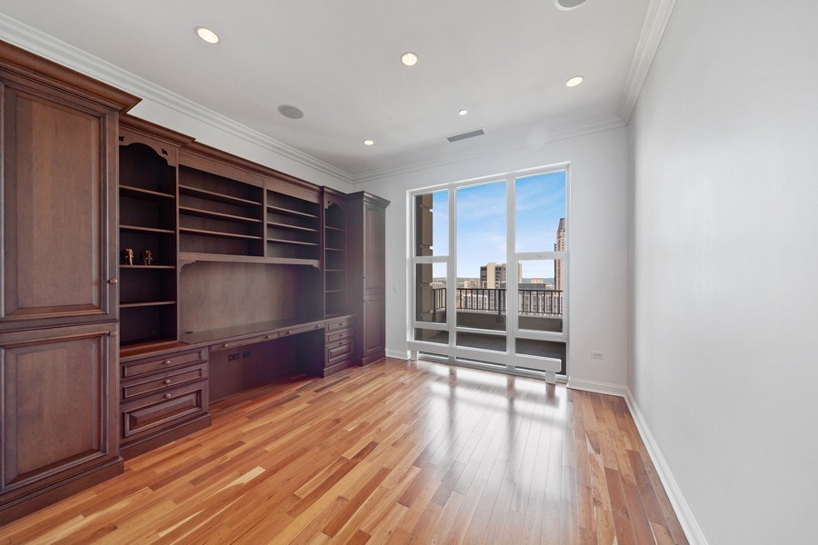Real Estate Photography - 25 East Superior St, 4301, Chicago, IL, 60611 - 2nd Bedroom