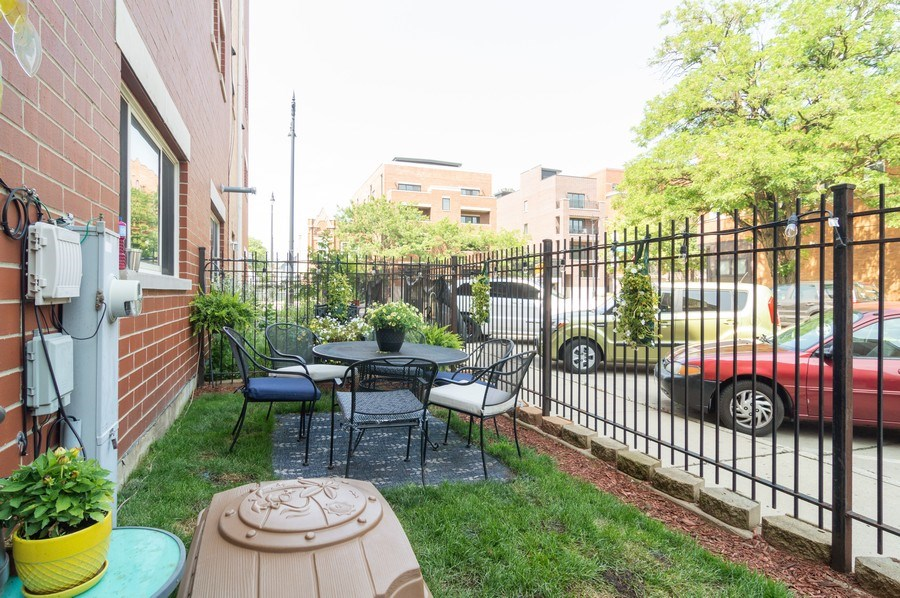 Real Estate Photography - 3337 W. IRVING PARK Road, Unit 3E, Chicago, IL, 60618 - Back Yard