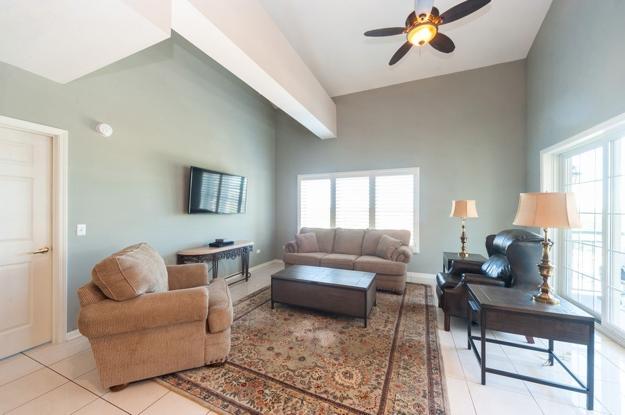 Real Estate Photography - 200 W. Campbell Street, Unit 809, Arlington Heights, IL, 60005 - Living Room