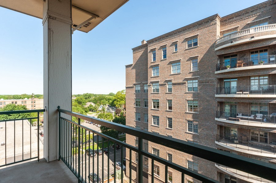 Real Estate Photography - 200 W. Campbell Street, Unit 809, Arlington Heights, IL, 60005 - Balcony