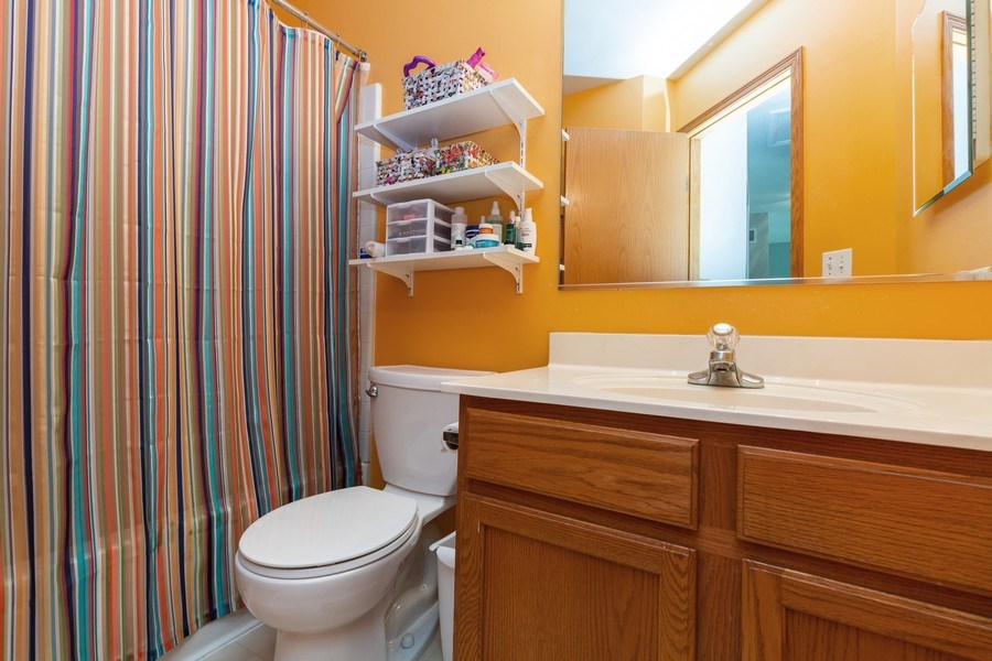 Real Estate Photography - 2445 Meadowsedge Lane, Carpentersville, IL, 60110 - BATHROOM