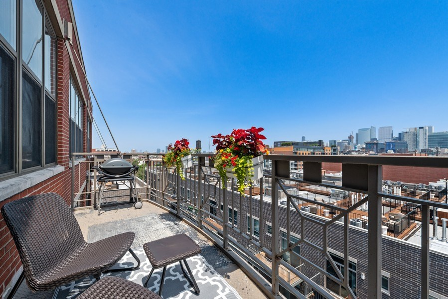 Real Estate Photography - 15 South Throop St, 606, Chicago, IL, 60607 - Balcony