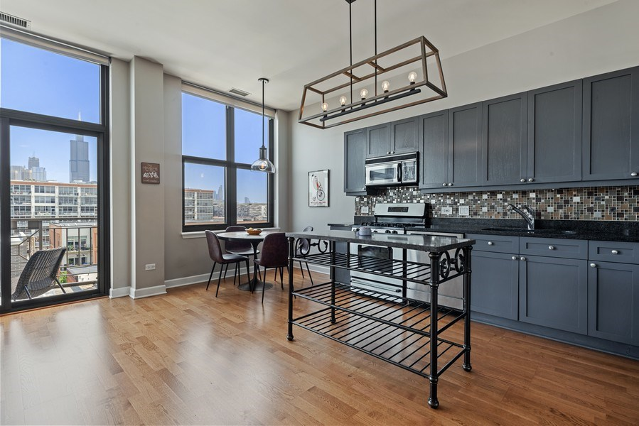Real Estate Photography - 15 South Throop St, 606, Chicago, IL, 60607 - Kitchen