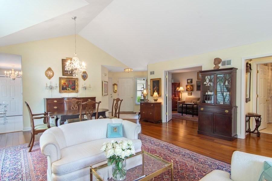 Real Estate Photography - 489 Park Barrington Drive, Barrington, IL, 60010 - Great Room
