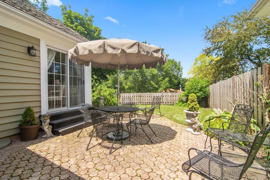 Real Estate Photography - 489 Park Barrington Drive, Barrington, IL, 60010 - Patio
