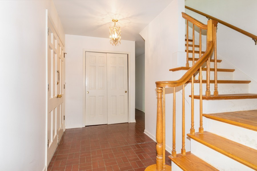 Real Estate Photography - 1117 Birkdale Court, Naperville, IL, 60563 - Foyer