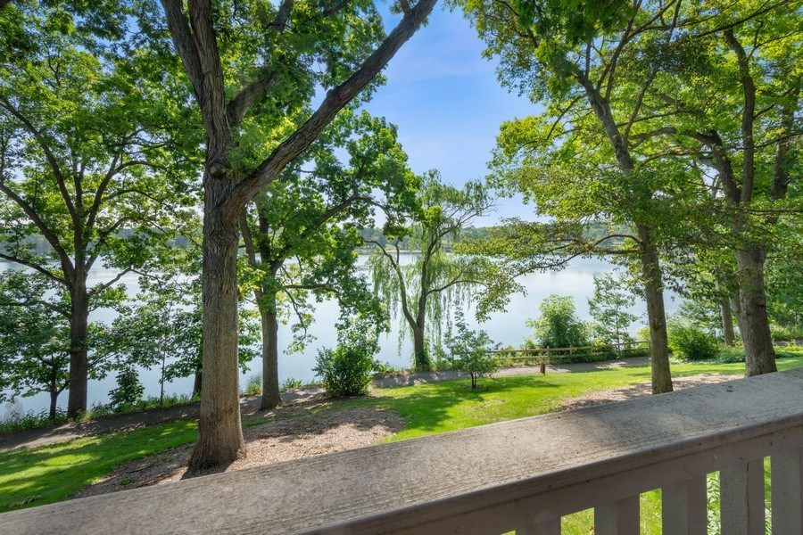 Real Estate Photography - 163 N. Shoreline Road, Lake Barrington, IL, 60010 - Lake View