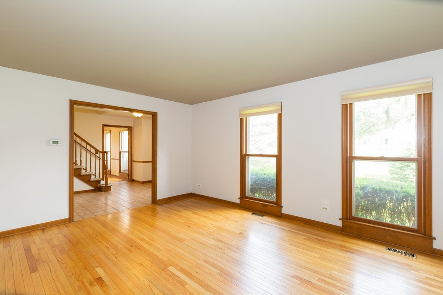 Real Estate Photography - 1305 Gaslight Drive, Algonquin, IL, 60102 - Living Room