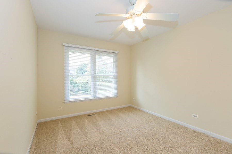 Real Estate Photography - 1305 Gaslight Drive, Algonquin, IL, 60102 - 3rd Bedroom