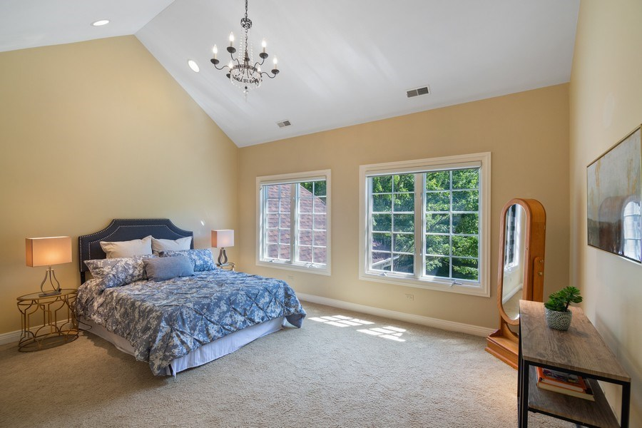 Real Estate Photography - 1660 ROBINWOOD Lane, Riverwoods, IL, 60015 - 4 bedrooms up. All with en-suite baths