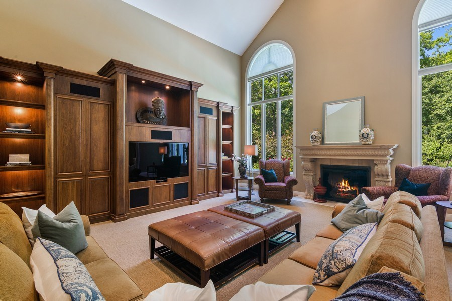 Real Estate Photography - 1660 ROBINWOOD Lane, Riverwoods, IL, 60015 - Family Room