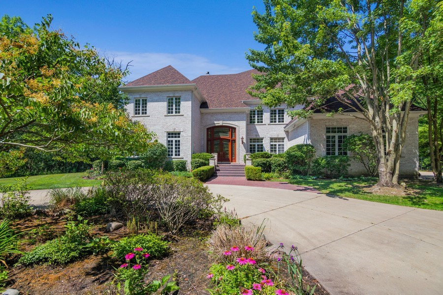 Real Estate Photography - 1660 ROBINWOOD Lane, Riverwoods, IL, 60015 - Front View
