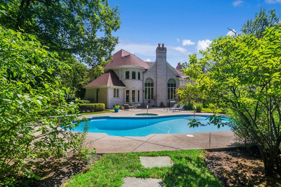 Real Estate Photography - 1660 ROBINWOOD Lane, Riverwoods, IL, 60015 - Rear View