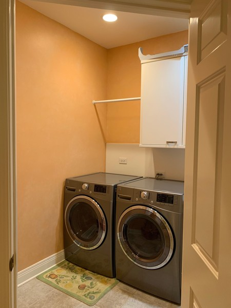 Real Estate Photography - 1660 ROBINWOOD Lane, Riverwoods, IL, 60015 - Second floor laundry room. Also laundry on first f