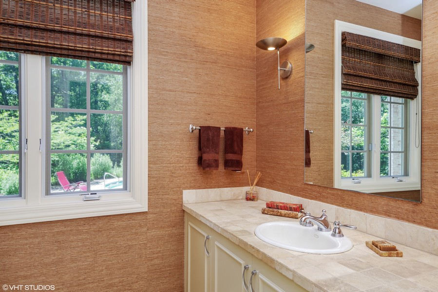 Real Estate Photography - 1660 ROBINWOOD Lane, Riverwoods, IL, 60015 - First floor full bath off side entrance coming in