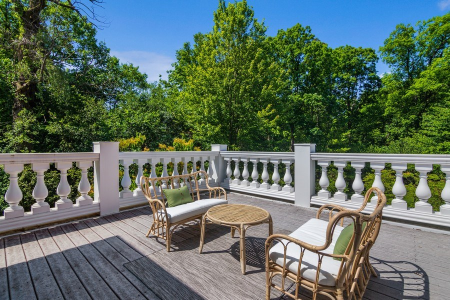 Real Estate Photography - 1660 ROBINWOOD Lane, Riverwoods, IL, 60015 - second floor balcony off master suite