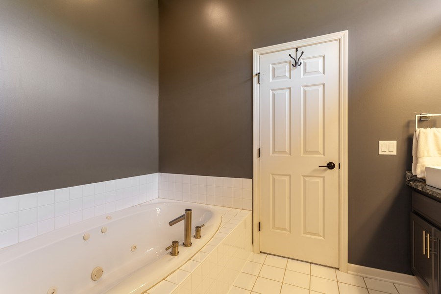 Real Estate Photography - 7 Fenview Ct, Bolingbrook, IL, 60440 - Master Bathroom