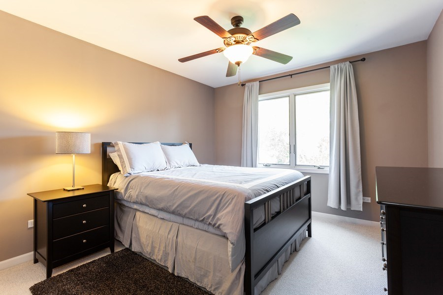 Real Estate Photography - 7 Fenview Ct, Bolingbrook, IL, 60440 - Guest bedroom 1