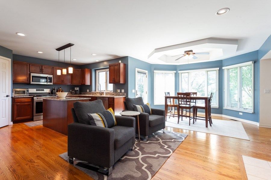 Real Estate Photography - 7 Fenview Ct, Bolingbrook, IL, 60440 - Sitting area, kitchen and breakfast area