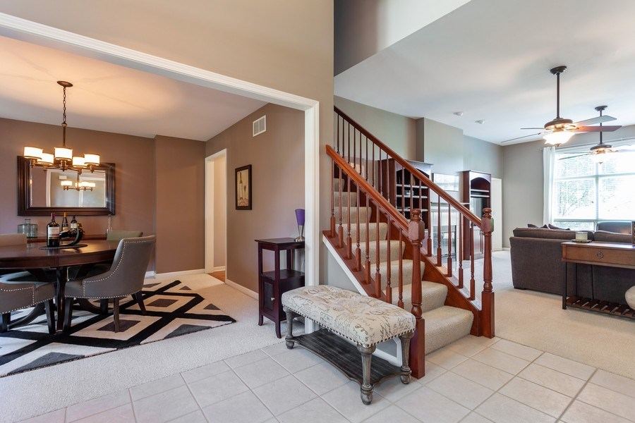 Real Estate Photography - 7 Fenview Ct, Bolingbrook, IL, 60440 - Foyer