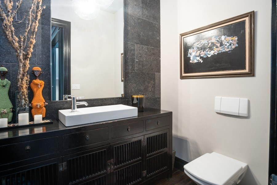 Real Estate Photography - 1717 N. HERMITAGE Avenue, Chicago, IL, 60622 - Powder Room