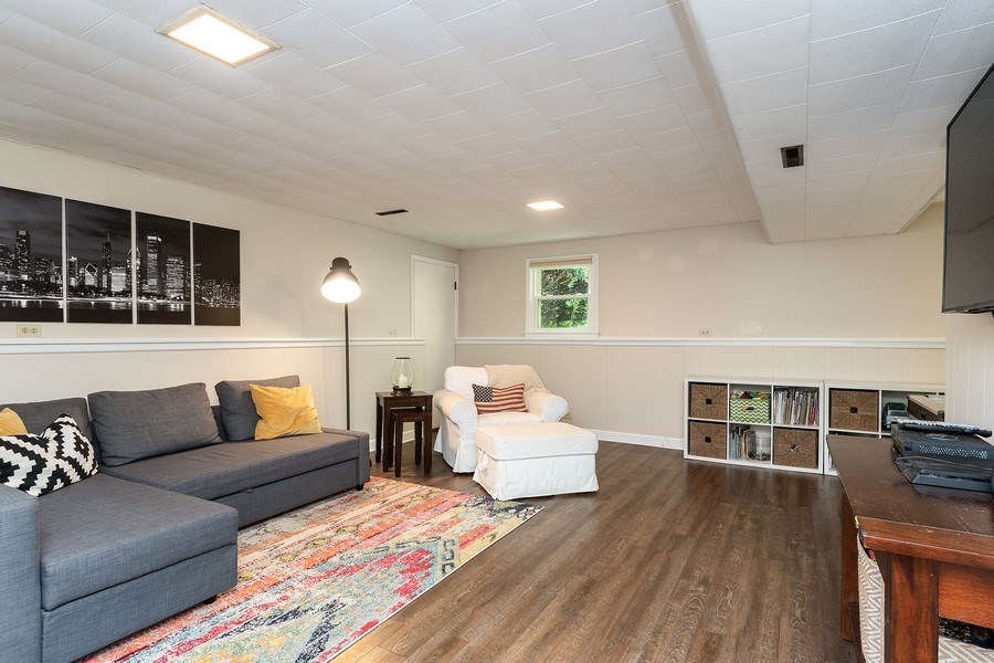 Real Estate Photography - 317 West Gartner Rd, Naperville, IL, 60540 - Family Room