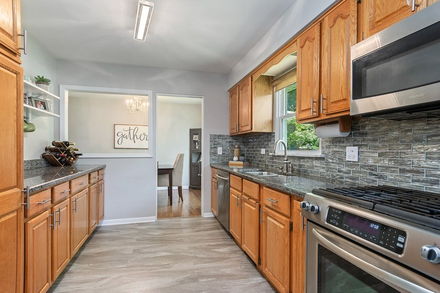 Real Estate Photography - 317 W Gartner Rd, Naperville, IL, 60540 - Kitchen