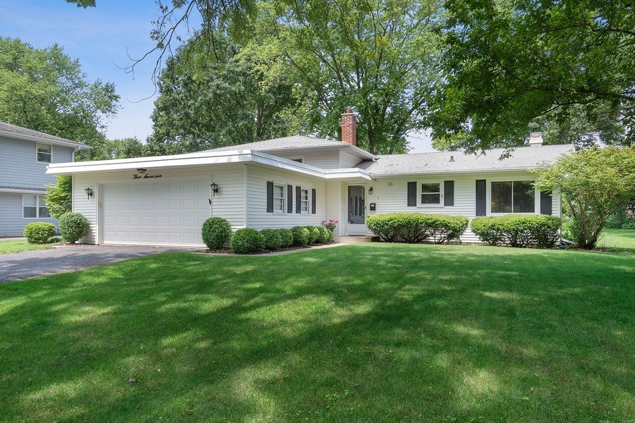 Real Estate Photography - 317 West Gartner Rd, Naperville, IL, 60540 - Front View