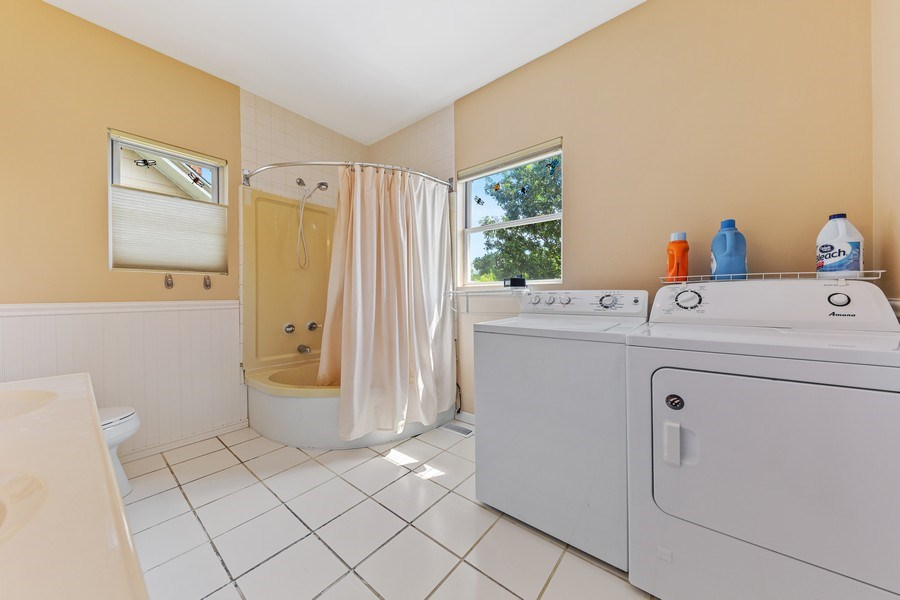Real Estate Photography - 3517 Park Avenue, Brookfield, IL, 60513 - Laundry Room