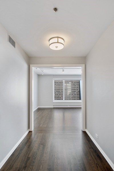 Real Estate Photography - 161 E Chicago, 34H, Chicago, IL, 60611 - Foyer