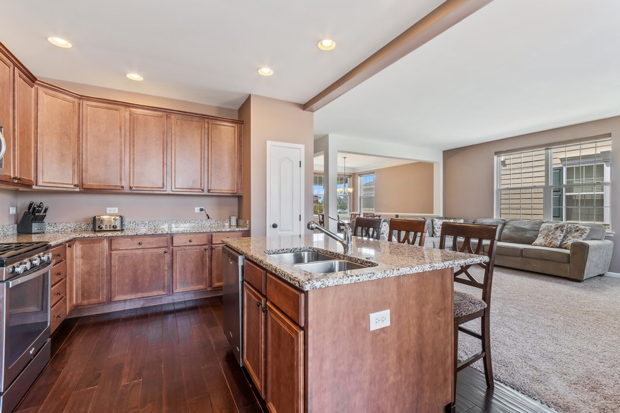 """Real Estate Photography - 1212 Falcon Ridge Dr, Elgin, IL, 60124 - Upgraded Kitchen with 42"""" Cabinets & SS Appliances"""