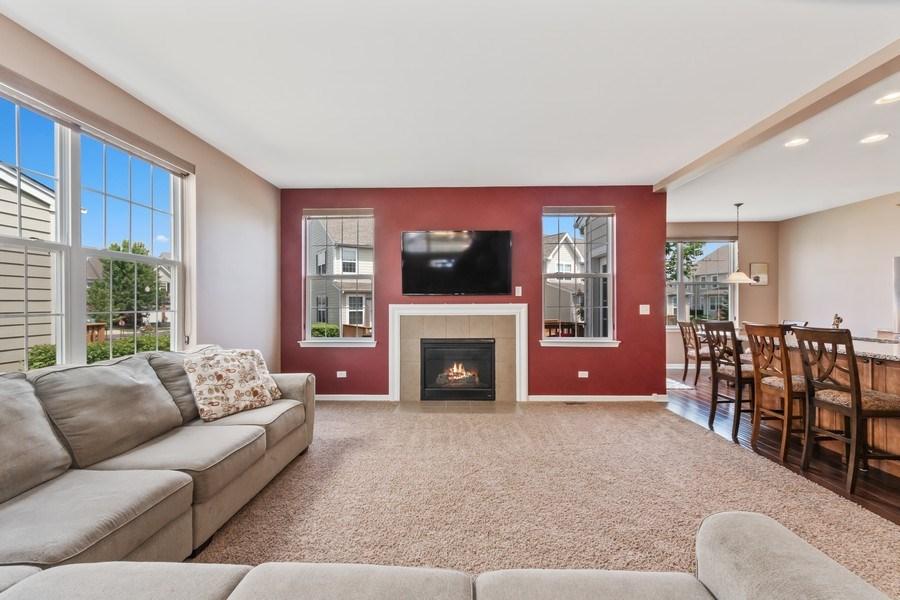 Real Estate Photography - 1212 Falcon Ridge Dr, Elgin, IL, 60124 - Open Floor Plan Fabulous for Entertaining!