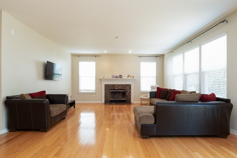 Real Estate Photography - 1834 Heather, Bolingbrook, IL, 60490 - Family Room