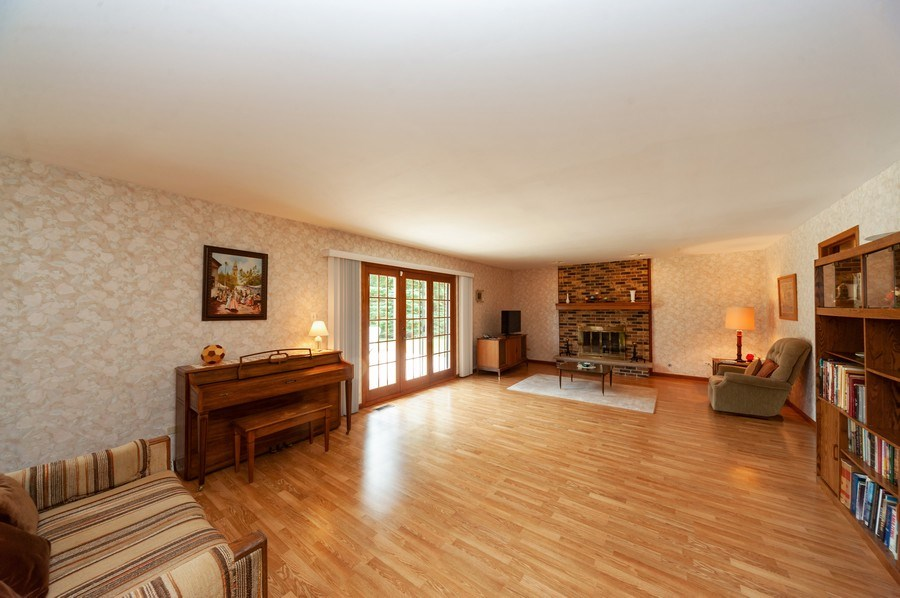 Real Estate Photography - 1212 W. Vine Street, Arlington Heights, IL, 60005 - Family Room