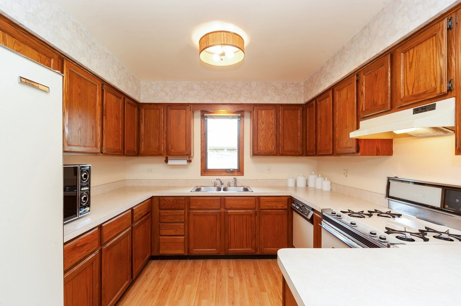 Real Estate Photography - 1212 W. Vine Street, Arlington Heights, IL, 60005 - Kitchen