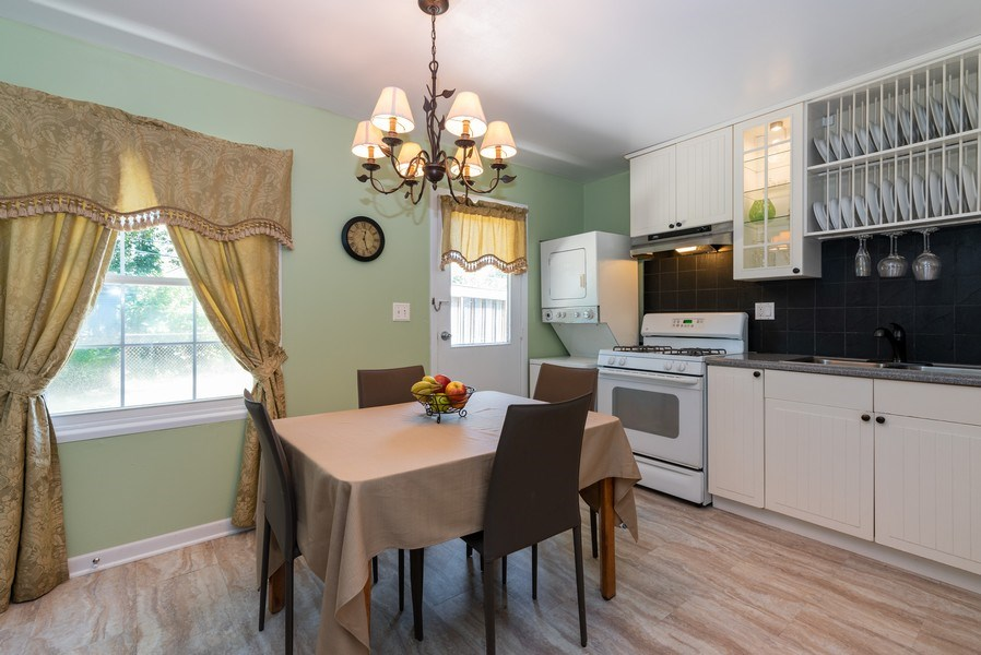Real Estate Photography - 806 Spruce Court, Streamwood, IL, 60107 - Kitchen