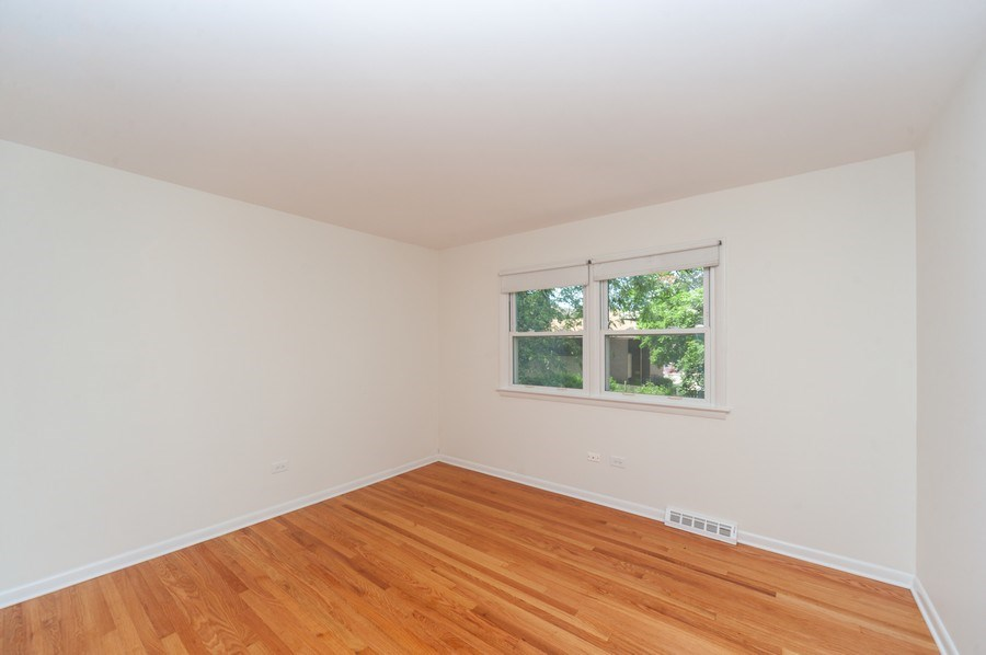 Real Estate Photography - 210 E. Maude Avenue, Arlington Heights, IL, 60004 - 2nd Bedroom
