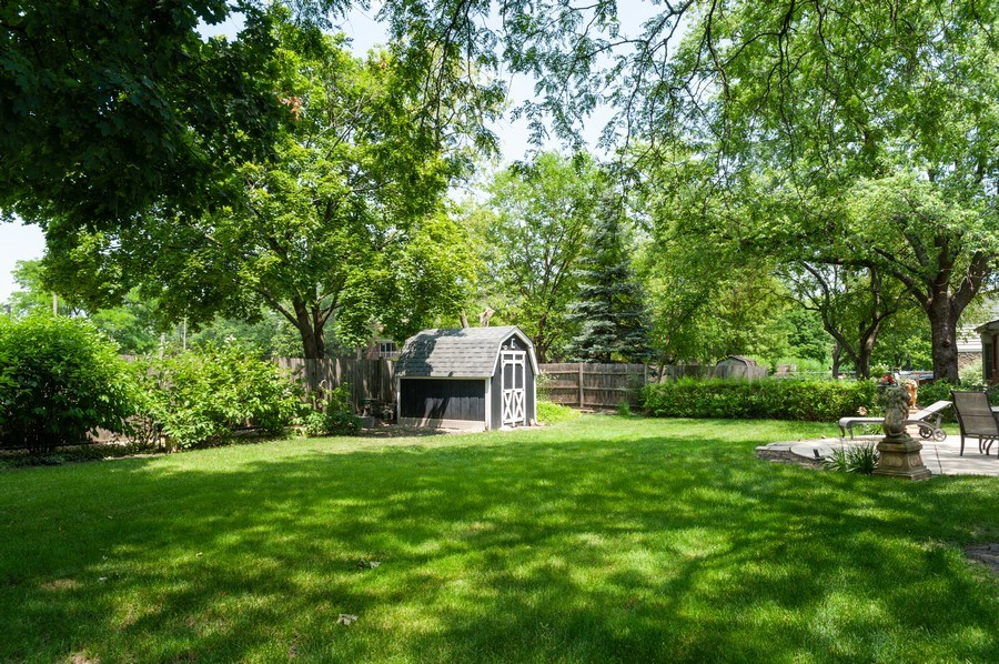 Real Estate Photography - 210 E. Maude Avenue, Arlington Heights, IL, 60004 - Back Yard