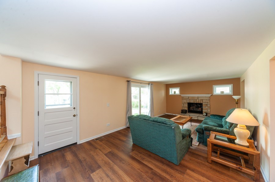 Real Estate Photography - 210 E. Maude Avenue, Arlington Heights, IL, 60004 - Family Room