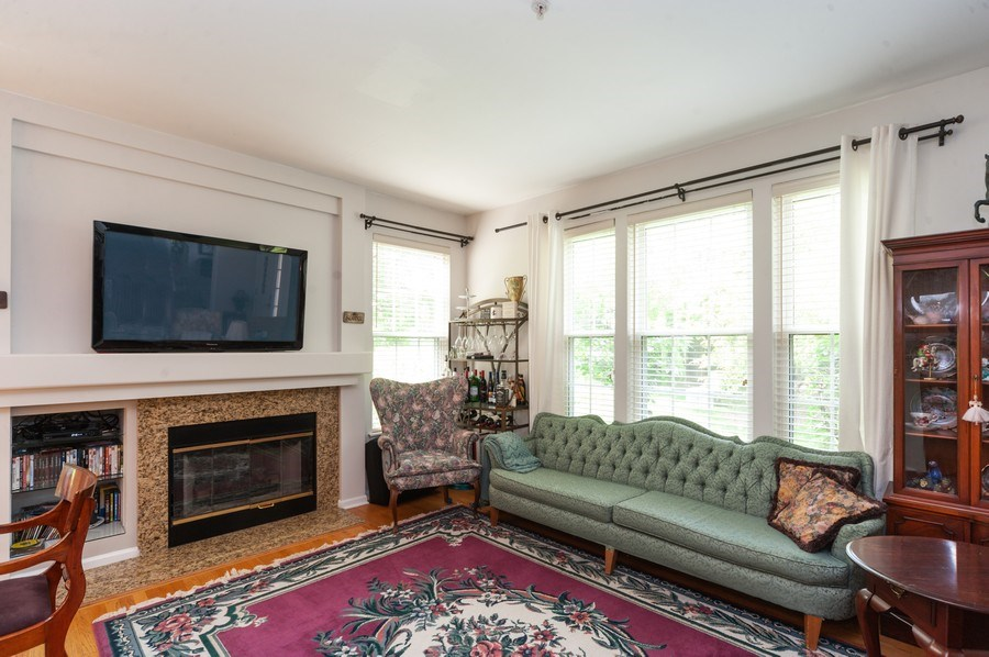 Real Estate Photography - 2748 N. Greenwood Avenue, Arlington Heights, IL, 60004 - Living Room