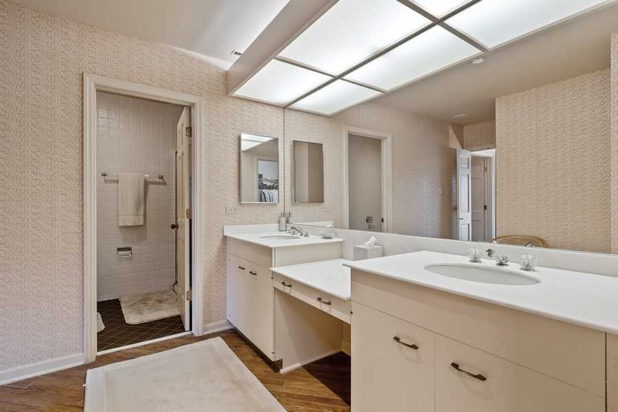 Real Estate Photography - 1307 North Sutton Pl, Chicago, IL, 60610 - Master Bathroom