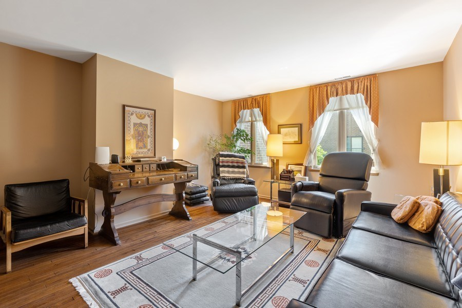 Real Estate Photography - 1307 North Sutton Pl, Chicago, IL, 60610 - Bedroom