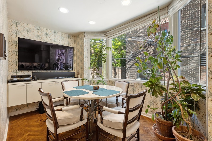 Real Estate Photography - 1307 North Sutton Pl, Chicago, IL, 60610 - Dining Area