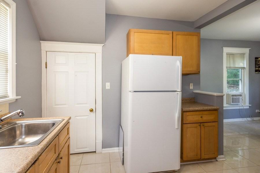 Real Estate Photography - 129 N. Lincoln Avenue, Aurora, IL, 60505 - Kitchen