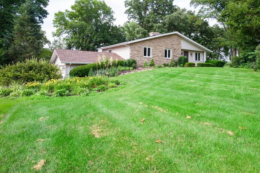 Real Estate Photography - 28812 W. Park Drive, Barrington, IL, 60010 - Front View