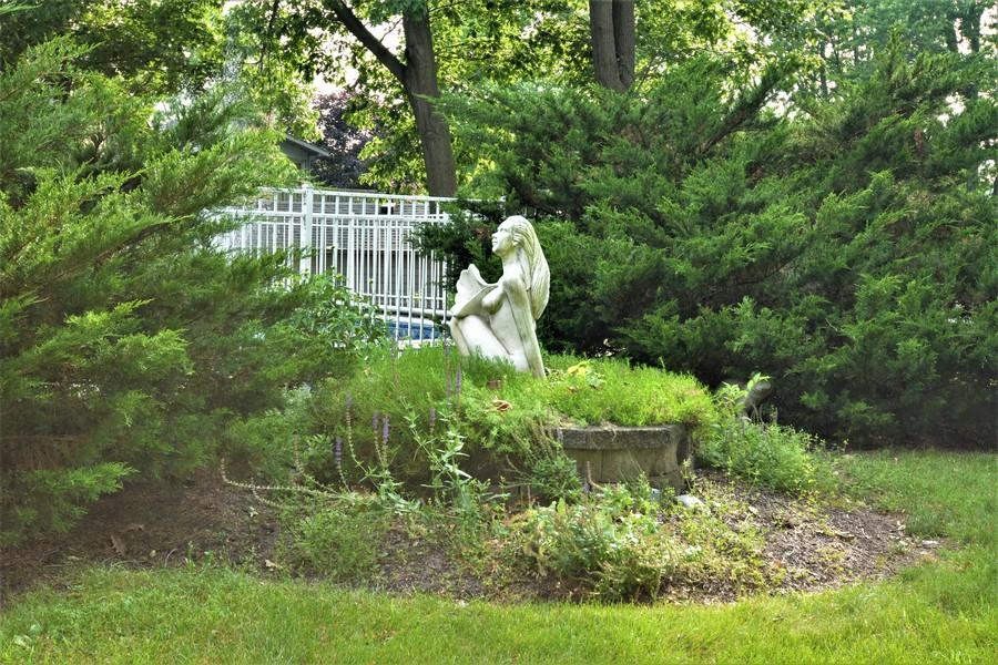 Real Estate Photography - 28812 W. Park Drive, Barrington, IL, 60010 -