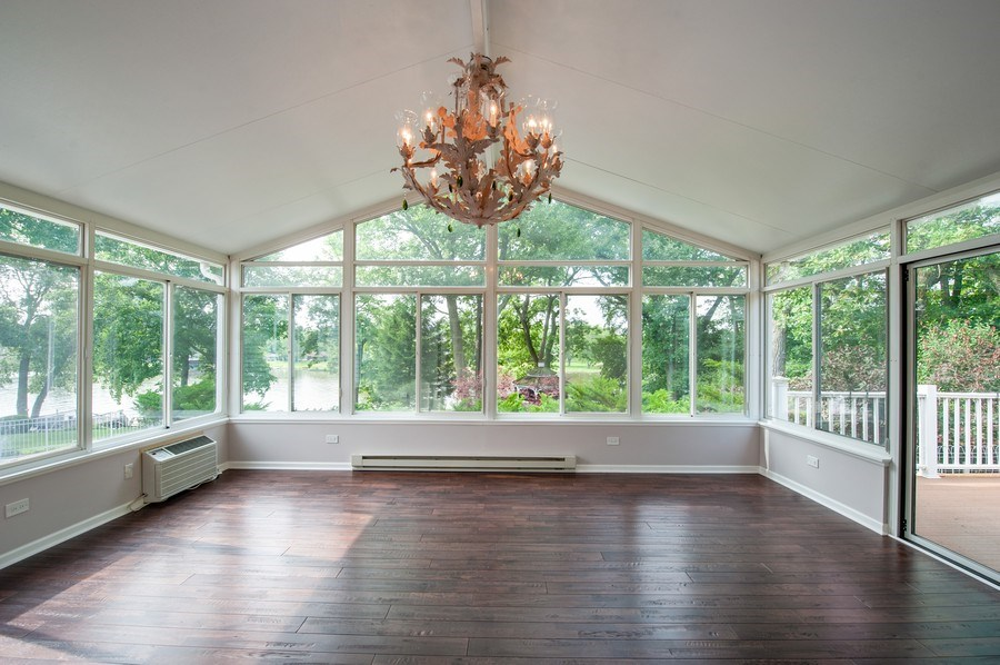 Real Estate Photography - 28812 W. Park Drive, Barrington, IL, 60010 - Sun Room