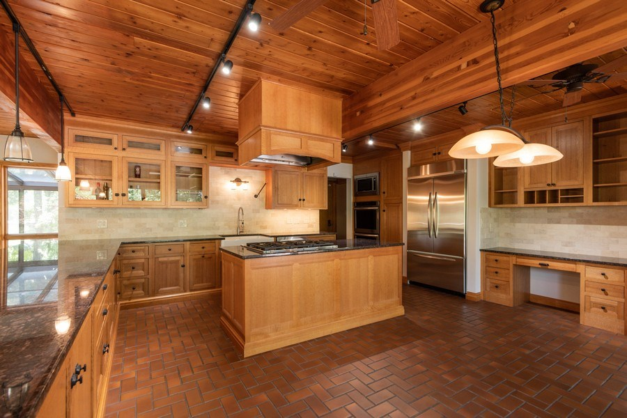 Real Estate Photography - 19641 Woodside Drive, New Lenox, IL, 60451 - Kitchen